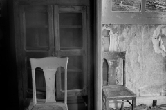 chairs-bodie-abandoned-cottage