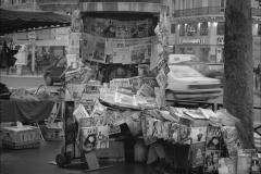 paper-seller-paris