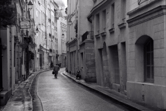 walking-home-paris-evening_0