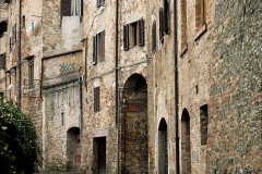 lane-near-gimignano