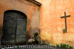 rome-door-and-cross